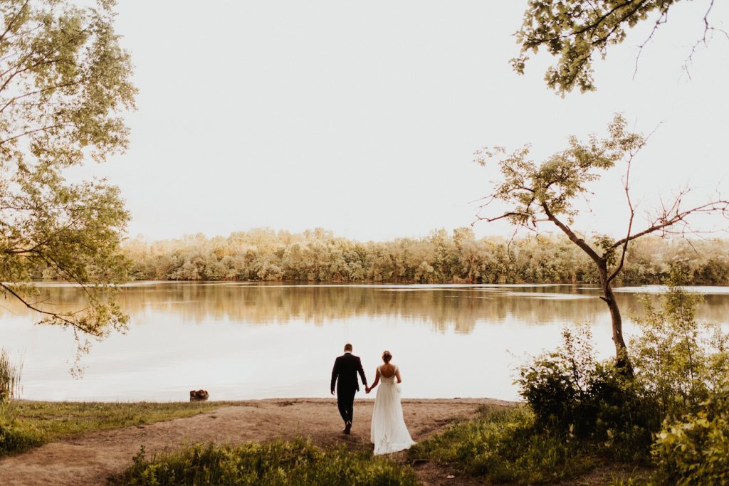 adventurous-lakeside-wedding-session-ontario-toronto-banff-alberta-canada-destination-wedding-photographer-havilah-heger-calgary-lethbridge_0002