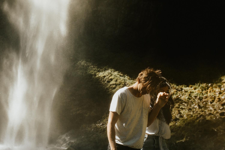 adventurous-mountain-engagement-session-banff-alberta-canada-calgary-edmonton-lethbridge-destination-wedding-photographer-havilah-heger-waterfall-banff-session-couples-photography_1