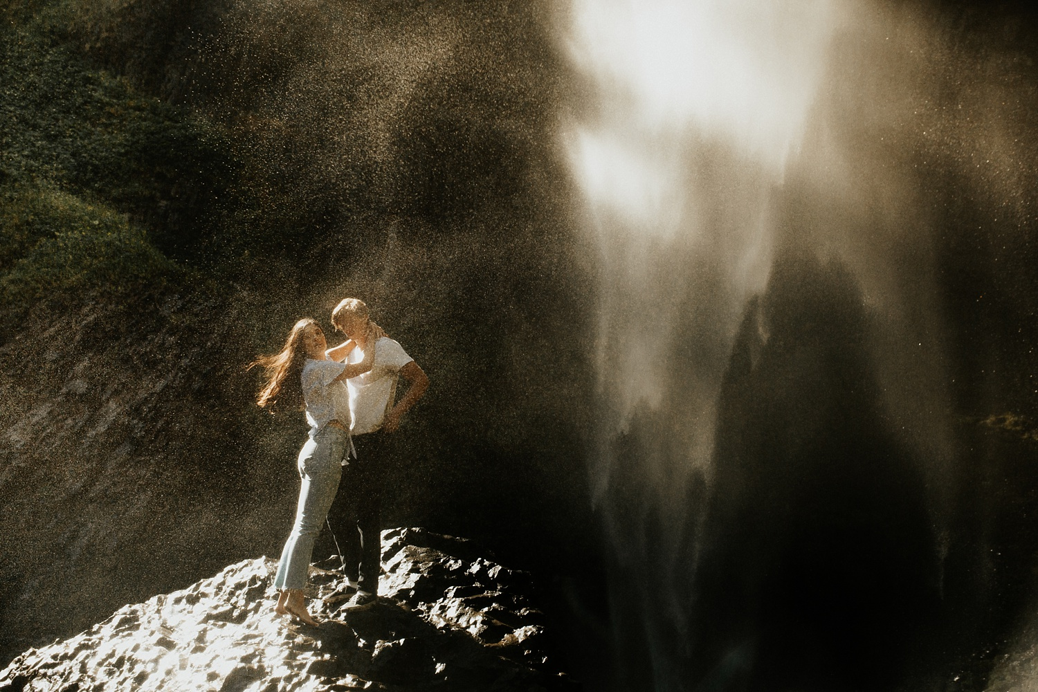 adventurous-mountain-engagement-session-banff-alberta-canada-calgary-edmonton-lethbridge-destination-wedding-photographer-havilah-heger-waterfall-banff-session-couples-photography_10