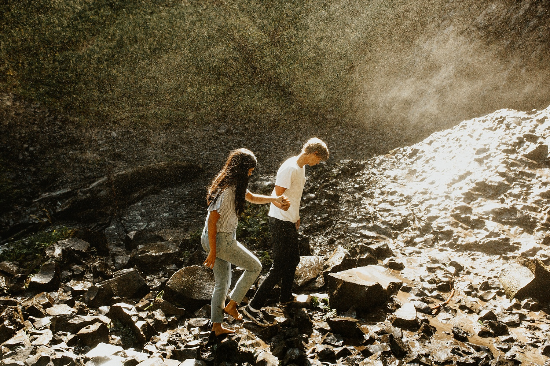 adventurous-mountain-engagement-session-banff-alberta-canada-calgary-edmonton-lethbridge-destination-wedding-photographer-havilah-heger-waterfall-banff-session-couples-photography_11