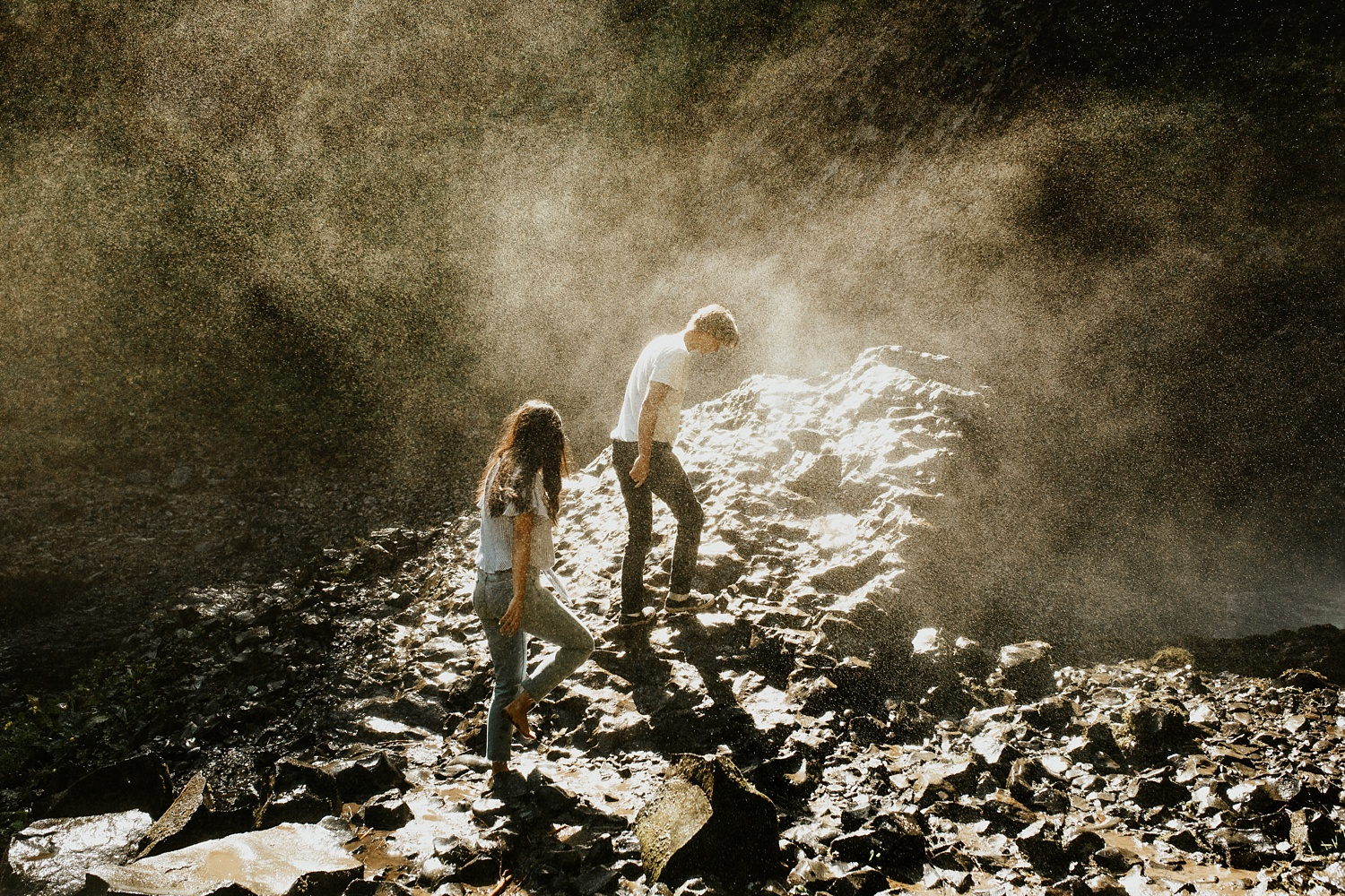 adventurous-mountain-engagement-session-banff-alberta-canada-calgary-edmonton-lethbridge-destination-wedding-photographer-havilah-heger-waterfall-banff-session-couples-photography_12