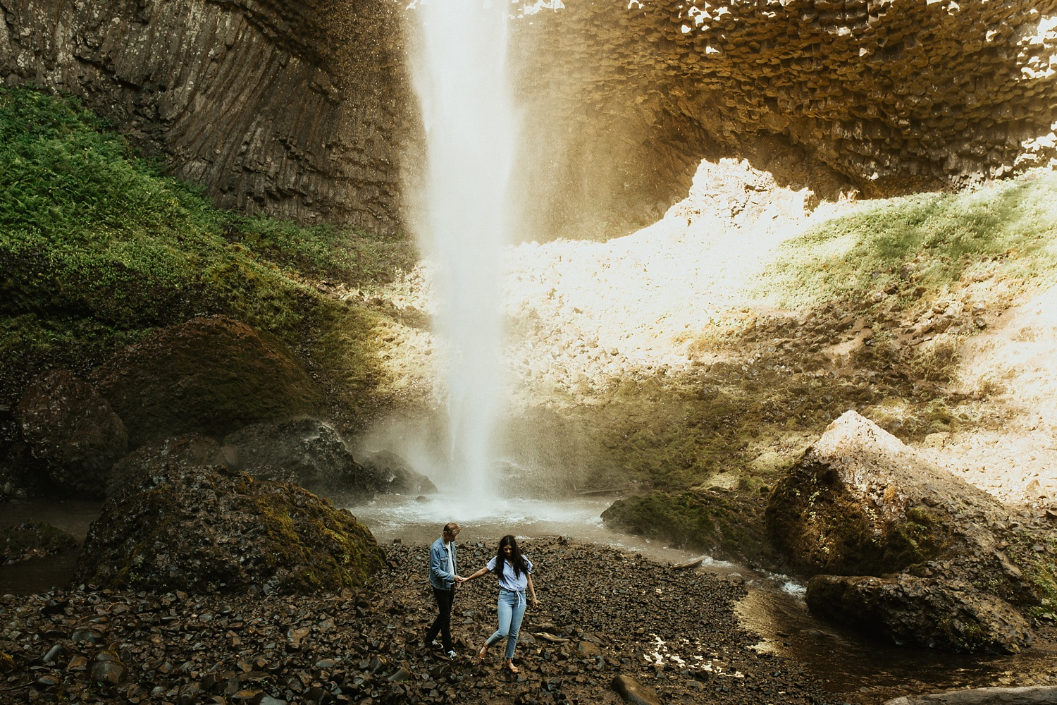 adventurous-mountain-engagement-session-banff-alberta-canada-calgary-edmonton-lethbridge-destination-wedding-photographer-havilah-heger-waterfall-banff-session-couples-photography_15