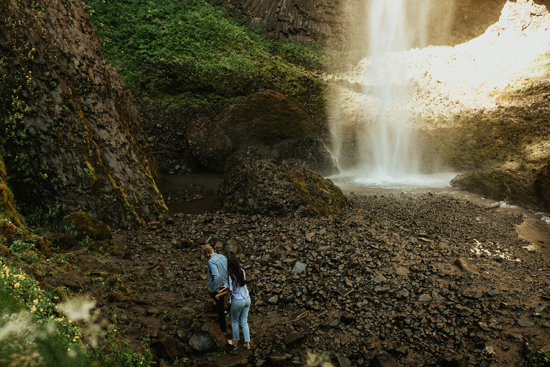 adventurous-mountain-engagement-session-banff-alberta-canada-calgary-edmonton-lethbridge-destination-wedding-photographer-havilah-heger-waterfall-banff-session-couples-photography_16