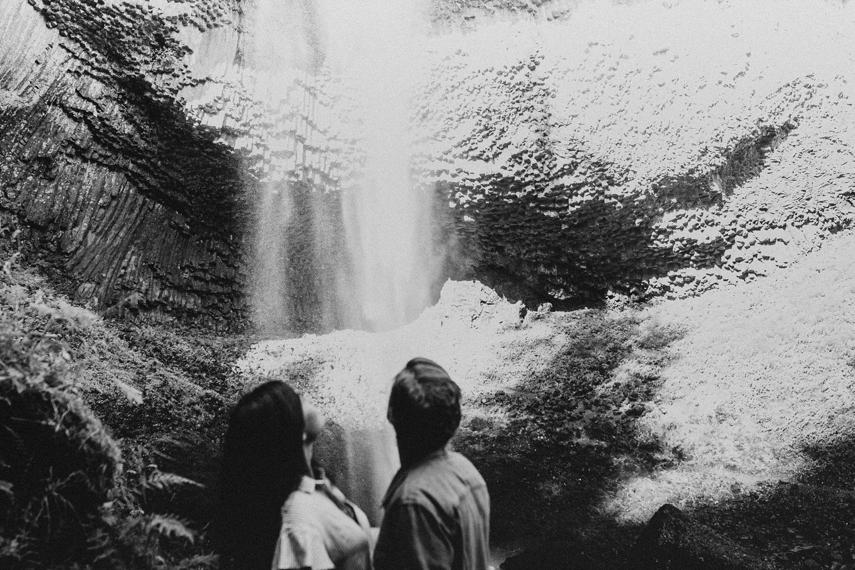 adventurous-mountain-engagement-session-banff-alberta-canada-calgary-edmonton-lethbridge-destination-wedding-photographer-havilah-heger-waterfall-banff-session-couples-photography_18