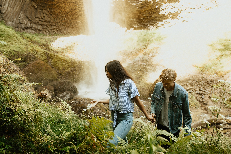 adventurous-mountain-engagement-session-banff-alberta-canada-calgary-edmonton-lethbridge-destination-wedding-photographer-havilah-heger-waterfall-banff-session-couples-photography_21