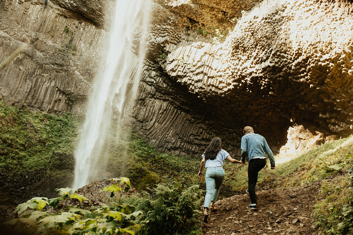 adventurous-mountain-engagement-session-banff-alberta-canada-calgary-edmonton-lethbridge-destination-wedding-photographer-havilah-heger-waterfall-banff-session-couples-photography_28