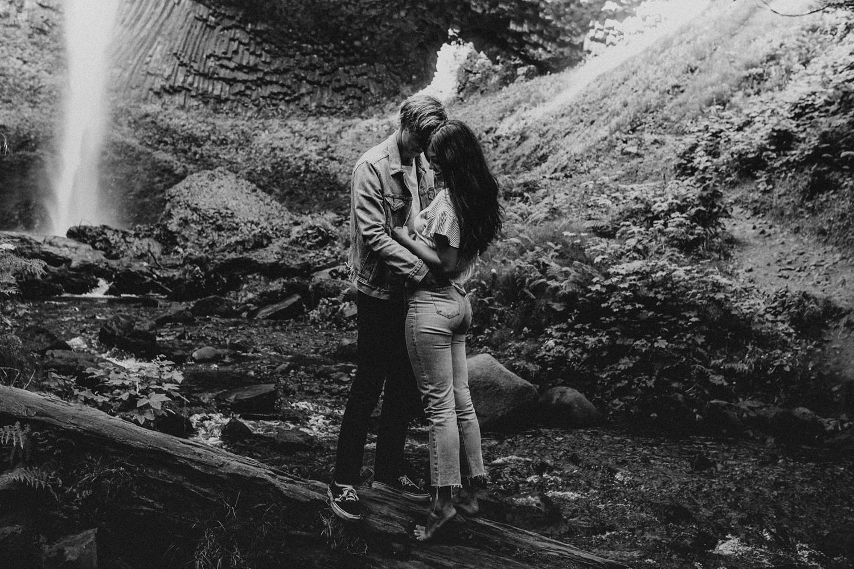 adventurous-mountain-engagement-session-banff-alberta-canada-calgary-edmonton-lethbridge-destination-wedding-photographer-havilah-heger-waterfall-banff-session-couples-photography_29