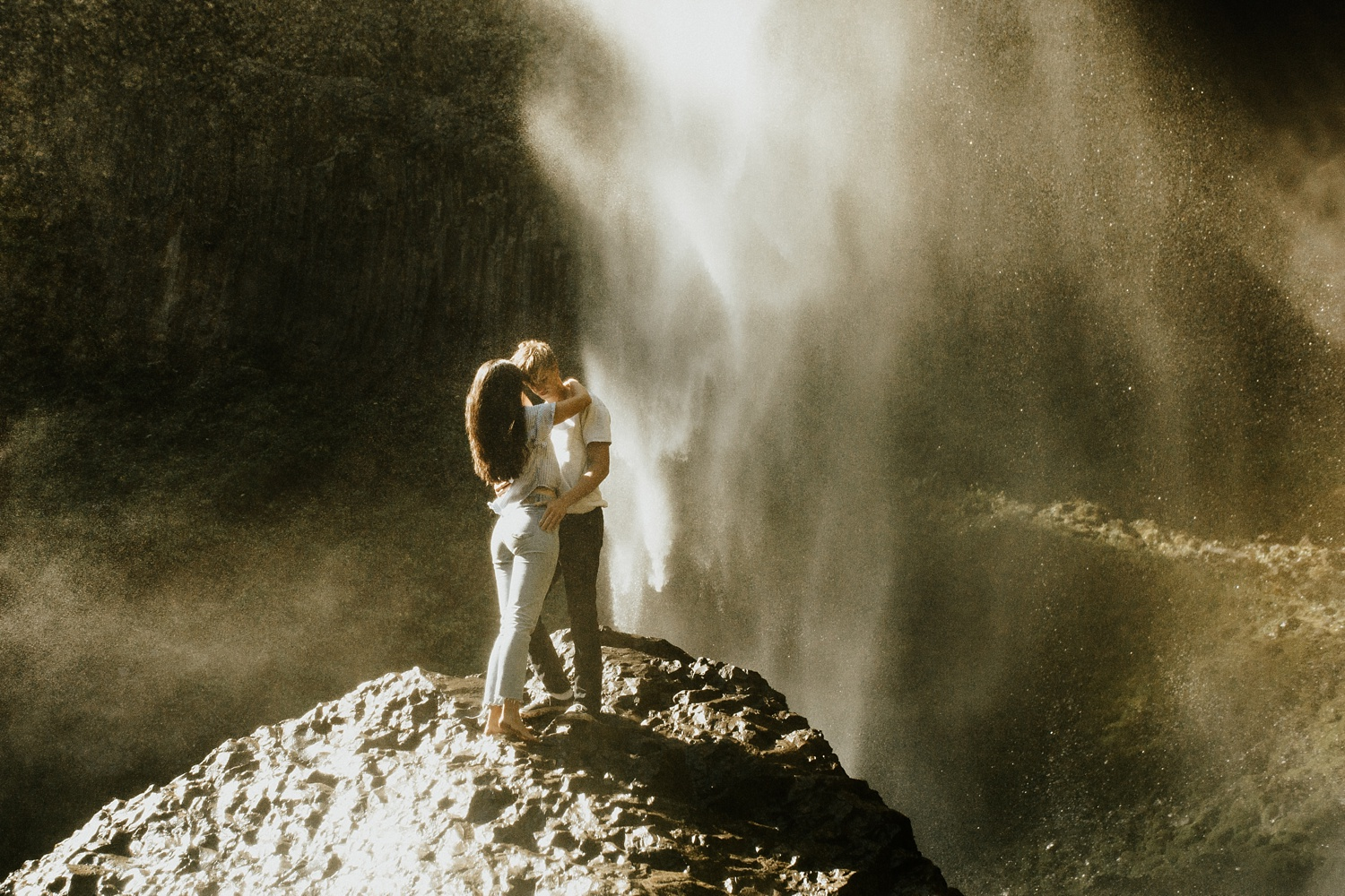 adventurous-mountain-engagement-session-banff-alberta-canada-calgary-edmonton-lethbridge-destination-wedding-photographer-havilah-heger-waterfall-banff-session-couples-photography_6