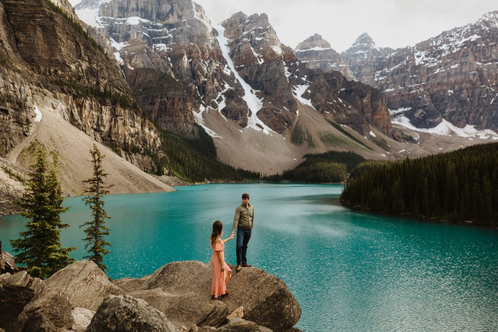 Moraine Lake Engagement Session in Banff_37